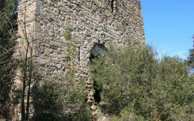 Château de Montpalau et la chapelle de Santa Magdalena