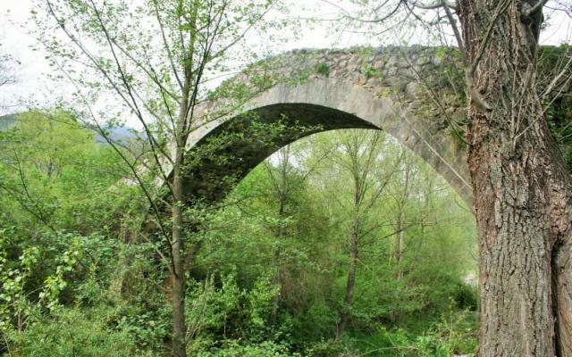 Le pont roman d'Oix