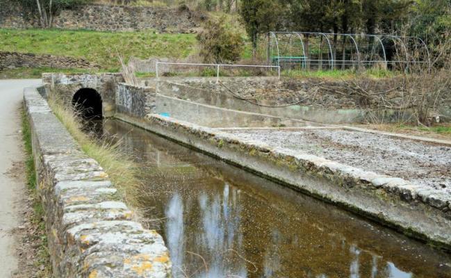 Canal de l'ancienne usine de Brutau textile
