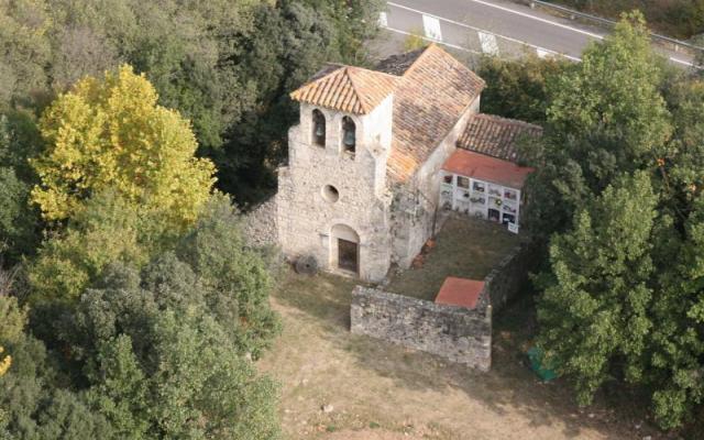 L'église de Santa Maria de Fares.