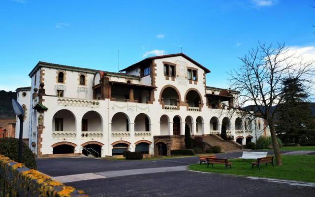 Mas La Riba (manor house)