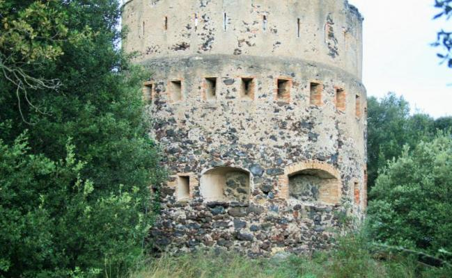The defence tower of the Montolivet volcano