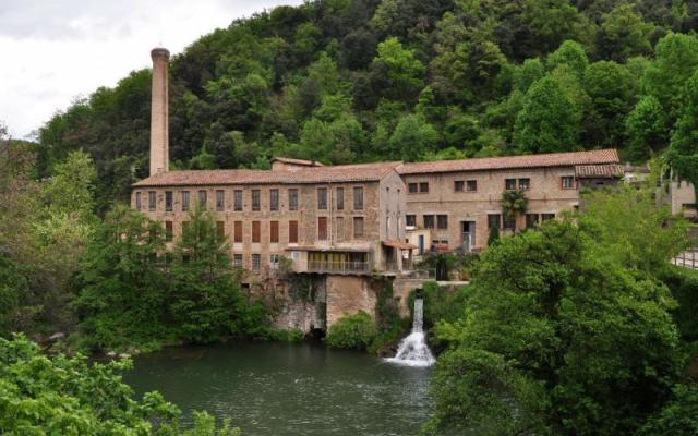 Industrial area: Can Porxes and the electric power station of Can Sabata