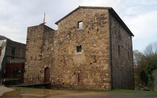 Estada Juvinyà Medieval castle