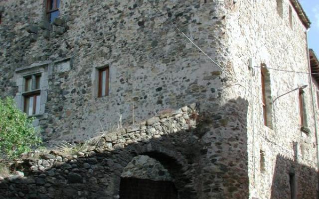 La casa fuerte o castillo de los Montpalau