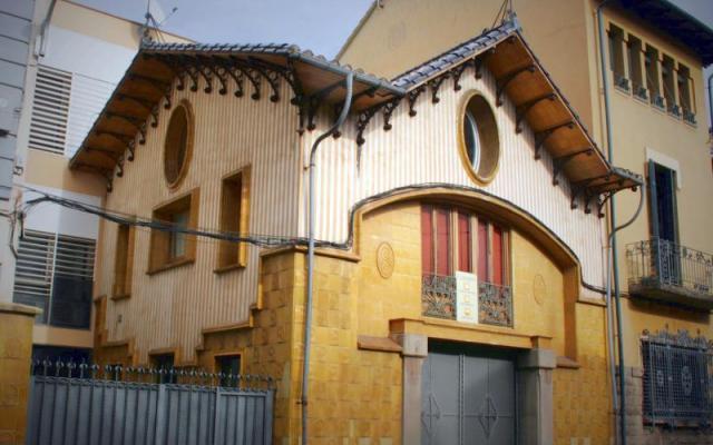 Descals factory and Sacrest garage
